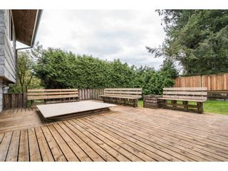 "Photo 2: 33232 PLAXTON Crescent in Abbotsford: Central Abbotsford House for sale in ""Mill Lake area"" : MLS®# R2156043"