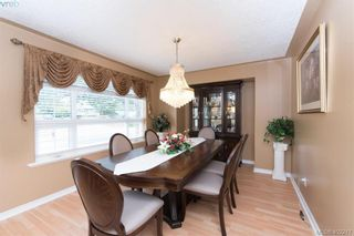 Photo 13: 871 Beckwith Ave in VICTORIA: SE Lake Hill House for sale (Saanich East)  : MLS®# 802692