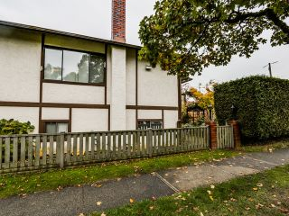 Photo 5: 8007 Montcalm Street in Vancouver: Marpole Home for sale ()  : MLS®# R2007808