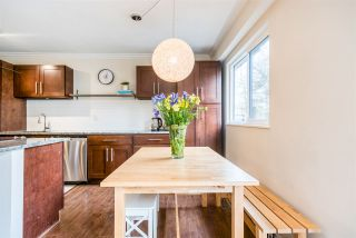 """Photo 5: 921 OLD LILLOOET Road in North Vancouver: Lynnmour Townhouse for sale in """"LYNNMOUR VILLAGE"""" : MLS®# R2353378"""
