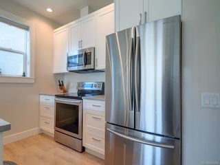 Photo 16: 3 1146 Caledonia Ave in Victoria: Vi Fernwood Row/Townhouse for sale : MLS®# 842254