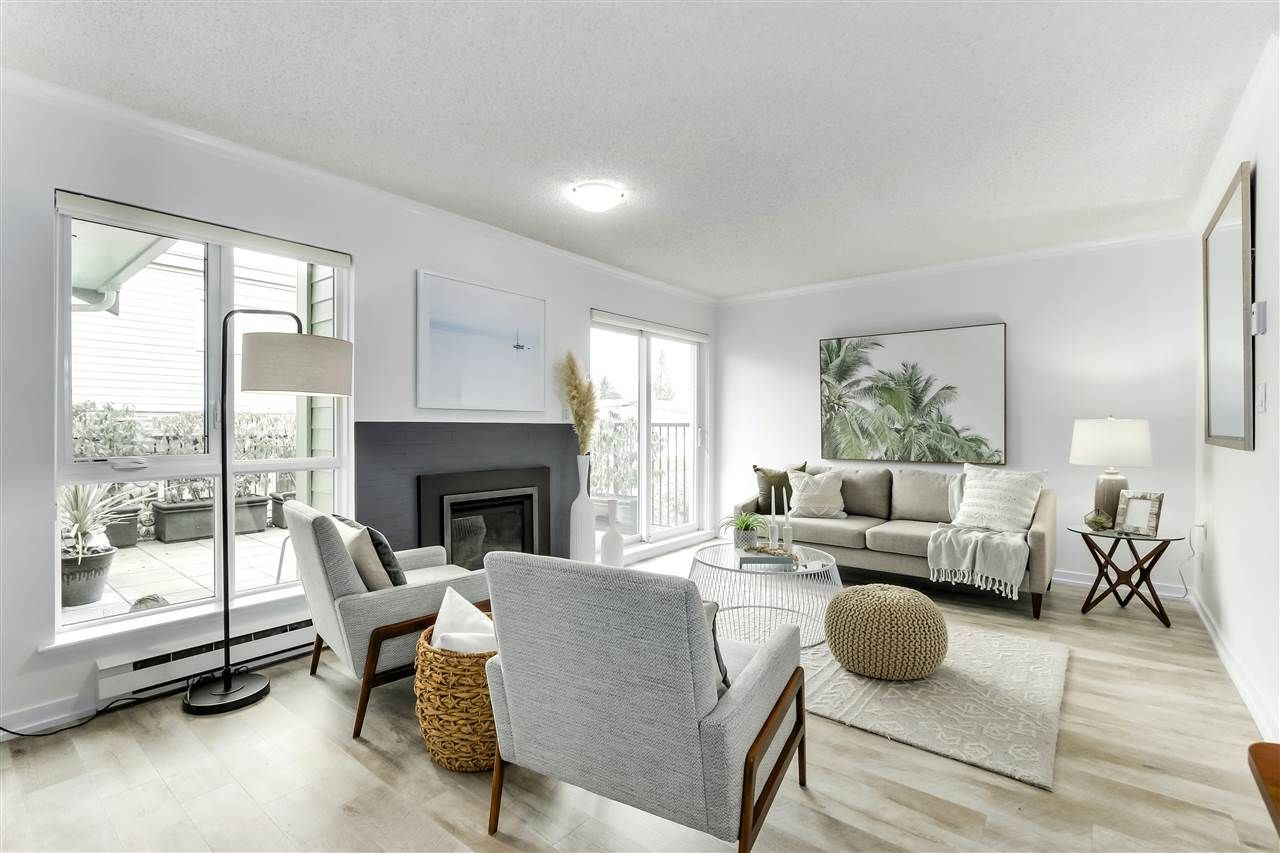 Main Photo: 1747 CHESTERFIELD Avenue in North Vancouver: Central Lonsdale Townhouse for sale : MLS®# R2539401