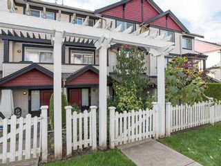 """Photo 2: 19 7168 179 Street in Surrey: Cloverdale BC Townhouse for sale in """"OVATION"""" (Cloverdale)  : MLS®# R2311901"""