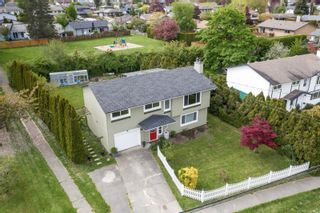 Photo 2: 7678 East Saanich Rd in : CS Saanichton House for sale (Central Saanich)  : MLS®# 877573