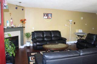 Photo 3: 64 7875 122 Street in Surrey: West Newton Townhouse for sale : MLS®# R2200515
