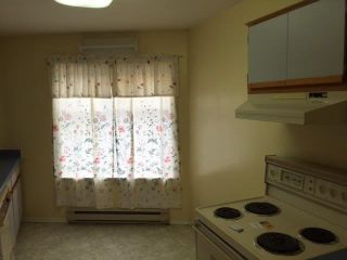 """Photo 6: 206 9540 COOK Street in Chilliwack: Chilliwack N Yale-Well Townhouse for sale in """"Rose Arbour"""" : MLS®# R2090667"""