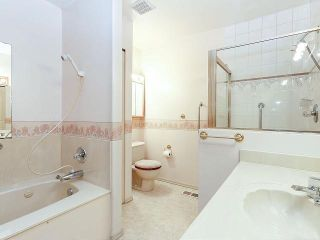 """Photo 14: 116 9781 148A Street in Surrey: Guildford Townhouse for sale in """"CHELSEA GATE"""" (North Surrey)  : MLS®# F1406838"""