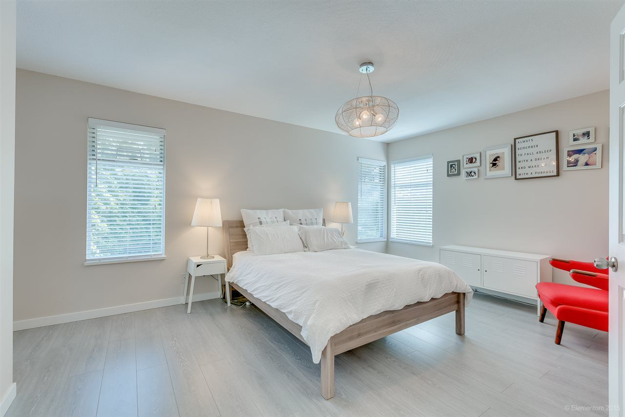 Photo 13: Photos: 10440 GLENMOOR Place in Surrey: Fraser Heights House for sale (North Surrey)  : MLS®# R2163233