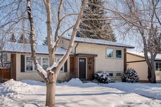 Photo 2: 87 West Glen Crescent SW in Calgary: Westgate Detached for sale : MLS®# A1068835