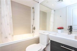 Photo 19: 386 Yonge St Unit #5711 in Toronto: Bay Street Corridor Condo for sale (Toronto C01)  : MLS®# C3611063