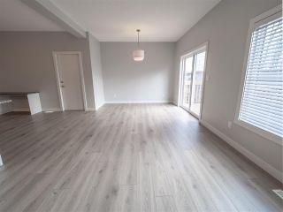 Photo 11: 225 39A Avenue in Edmonton: Zone 30 House Half Duplex for sale : MLS®# E4224008
