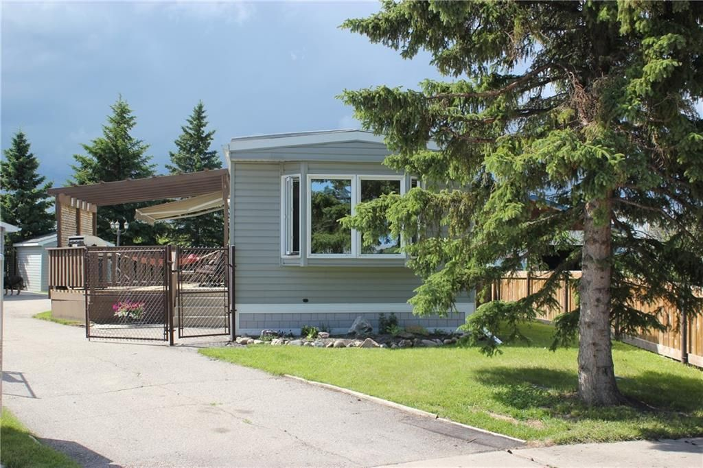 Main Photo: 824 Spring Haven Court SE: Airdrie Detached for sale : MLS®# C4306443