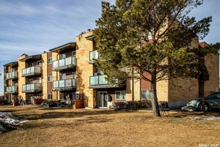 Photo 3: 201 419 Tait Court in Saskatoon: Wildwood Residential for sale : MLS®# SK847092