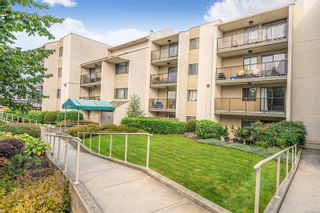 Photo 2: 110 2757 Quadra St in : Vi Hillside Condo for sale (Victoria)  : MLS®# 856175