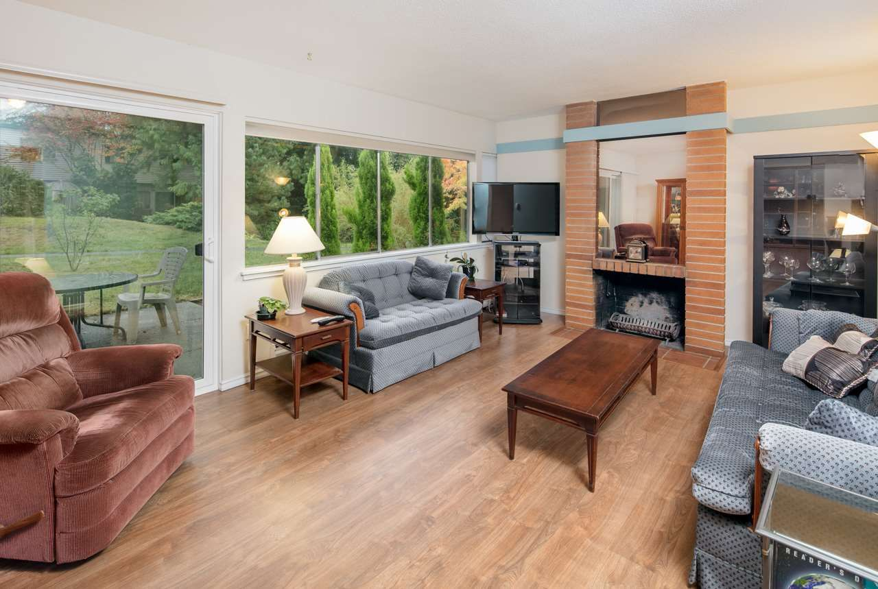 """Main Photo: 603 WESTVIEW Place in North Vancouver: Upper Lonsdale Townhouse for sale in """"Cypress Gardens"""" : MLS®# R2211101"""