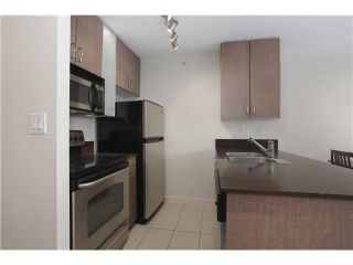 """Photo 3: 1608 909 MAINLAND Street in Vancouver: Yaletown Condo for sale in """"YALETOWN PARK"""" (Vancouver West)  : MLS®# V997068"""