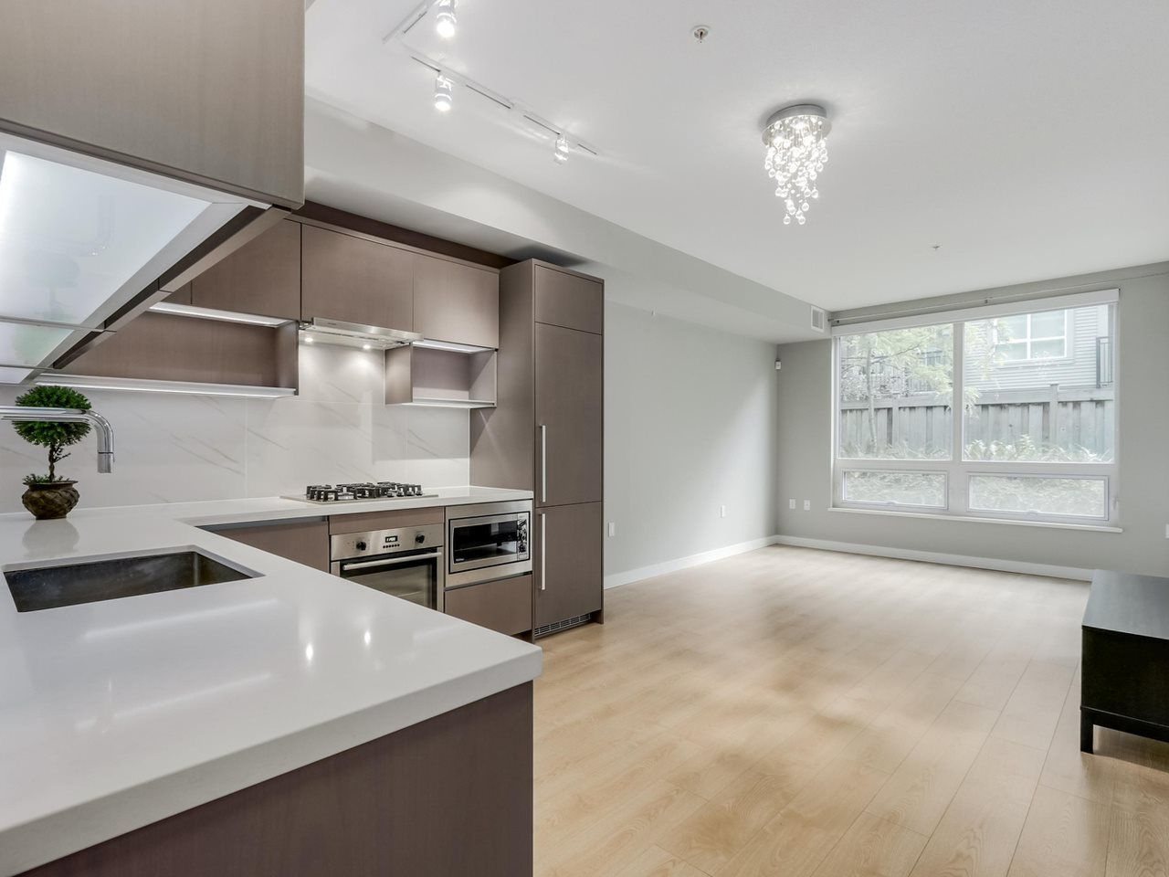 """Main Photo: 129 9333 TOMICKI Avenue in Richmond: West Cambie Condo for sale in """"OMEGA"""" : MLS®# R2075088"""