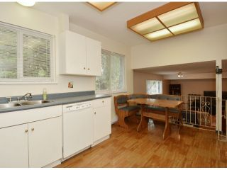 """Photo 8: 15909 GOGGS Avenue: White Rock House for sale in """"White Rock"""" (South Surrey White Rock)  : MLS®# F1424836"""