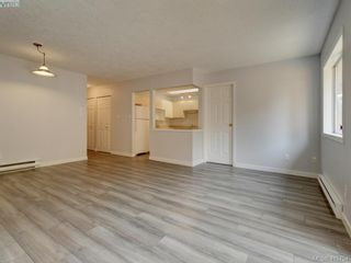 Photo 4: 11 515 Mount View Ave in VICTORIA: Co Hatley Park Row/Townhouse for sale (Colwood)  : MLS®# 824724