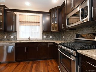 Photo 8: 2182 Stone Gate in VICTORIA: La Bear Mountain House for sale (Langford)  : MLS®# 808396