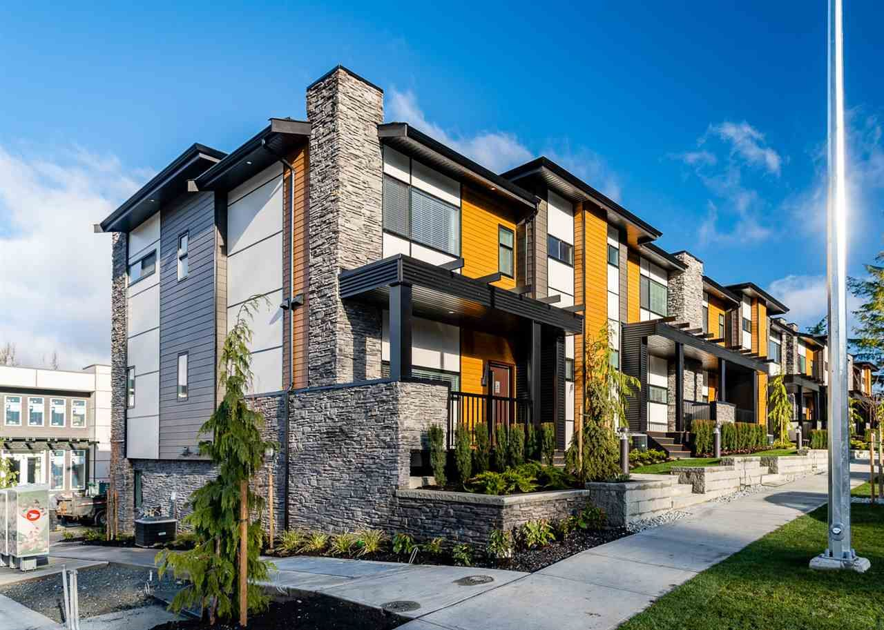 "Main Photo: 1 33209 CHERRY Avenue in Mission: Mission BC Townhouse for sale in ""58 on CHERRY HILL"" : MLS®# R2409986"