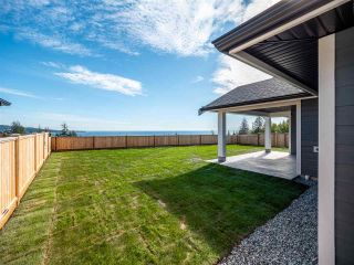 """Photo 4: 5652 DERBY Road in Sechelt: Sechelt District House for sale in """"SilverStone Heights"""" (Sunshine Coast)  : MLS®# R2499646"""