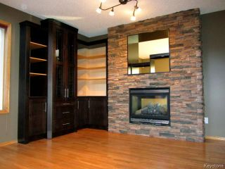Photo 2: 43 Langdale Way in WINNIPEG: Fort Garry / Whyte Ridge / St Norbert Residential for sale (South Winnipeg)  : MLS®# 1500041
