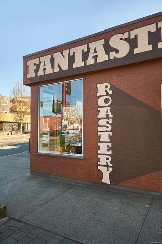 Photo 8: 311 1301 Hillside Ave in : Vi Oaklands Condo for sale (Victoria)  : MLS®# 866693