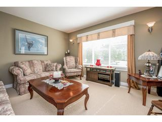 """Photo 3: 4063 CHANNEL Street in Abbotsford: Abbotsford East House for sale in """"Sandyhill"""" : MLS®# R2078342"""