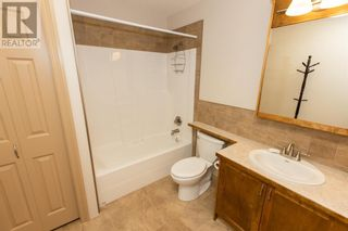 Photo 7: 332 15 Street N in Lethbridge: House for sale : MLS®# A1114555