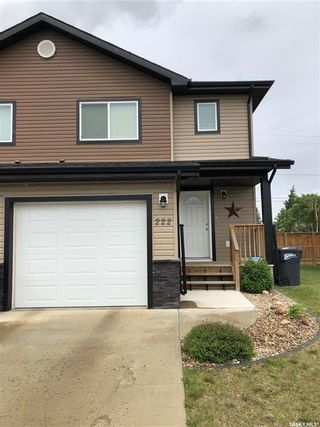 Photo 1: 222 15th Street in Battleford: Residential for sale : MLS®# SK869737