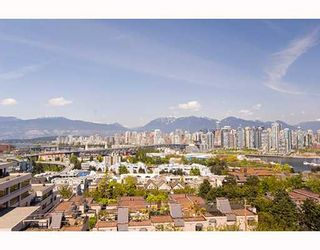 "Photo 11: 601 1355 W BROADWAY Street in Vancouver: Fairview VW Condo for sale in ""THE BROADWAY"" (Vancouver West)  : MLS®# V646336"
