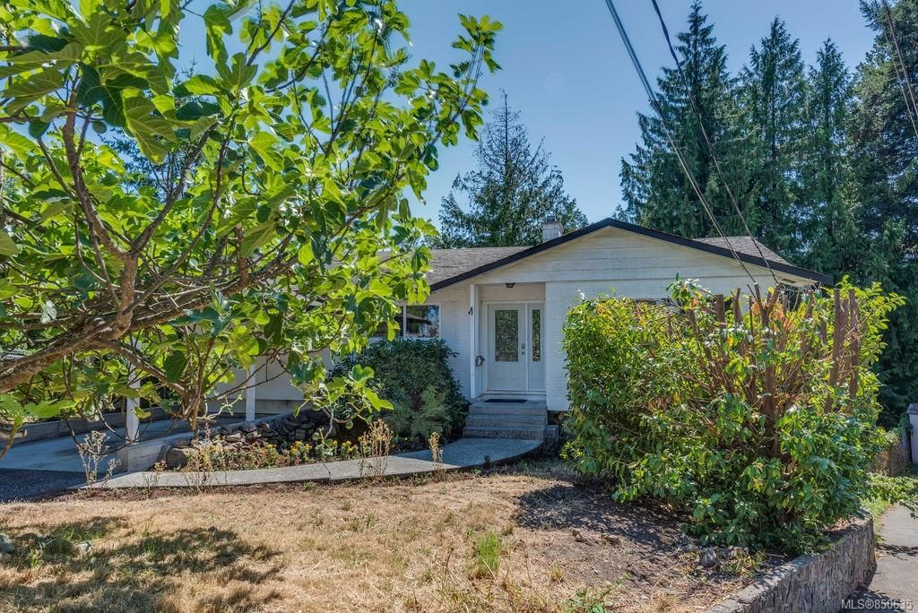 Main Photo: 973 Weaver Pl in Langford: La Walfred House for sale : MLS®# 850635