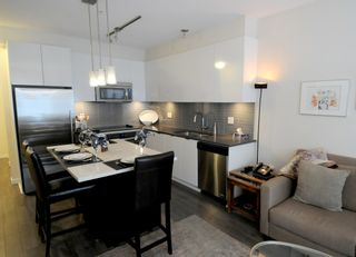 """Photo 5: 417 2665 MOUNTAIN Highway in North Vancouver: Lynn Valley Condo for sale in """"CANYON SPRINGS"""" : MLS®# R2435005"""