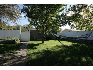 Photo 3: 2411 54 Avenue SW in Calgary: North Glenmore Park House for sale : MLS®# C4081948