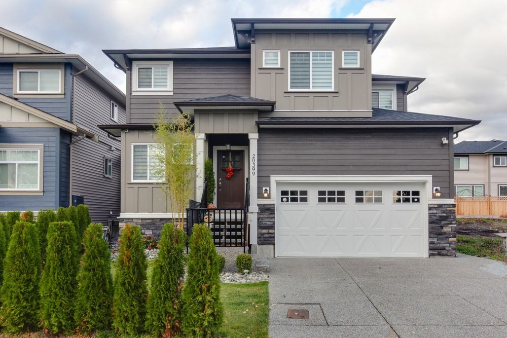 Main Photo: 20399 Hartnell Avenue in The Palisades on Westside: Home for sale : MLS®# R2213613