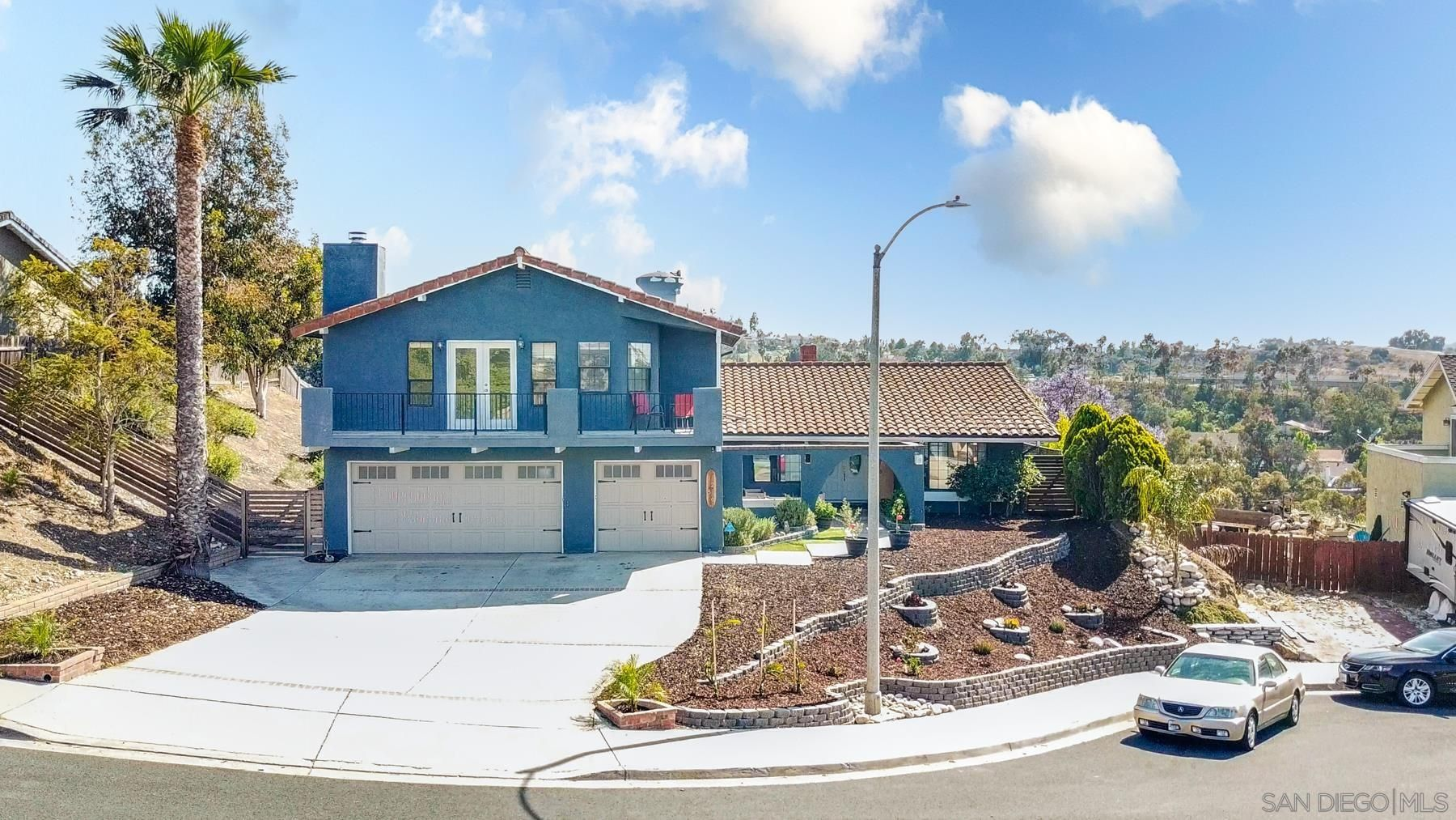 Main Photo: EL CAJON House for sale : 4 bedrooms : 1286 Rippey St