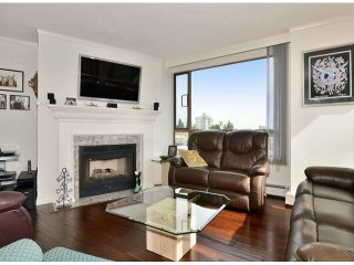 "Photo 4: 709 15111 RUSSELL Avenue: White Rock Condo for sale in ""PACIFIC TERRACE"" (South Surrey White Rock)  : MLS®# F1405374"