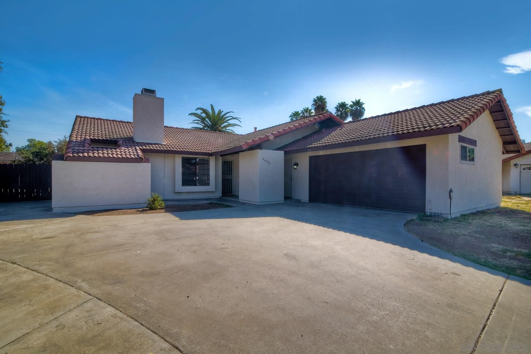 Main Photo: SPRING VALLEY House for sale : 4 bedrooms : 9498 Roseglen Pl