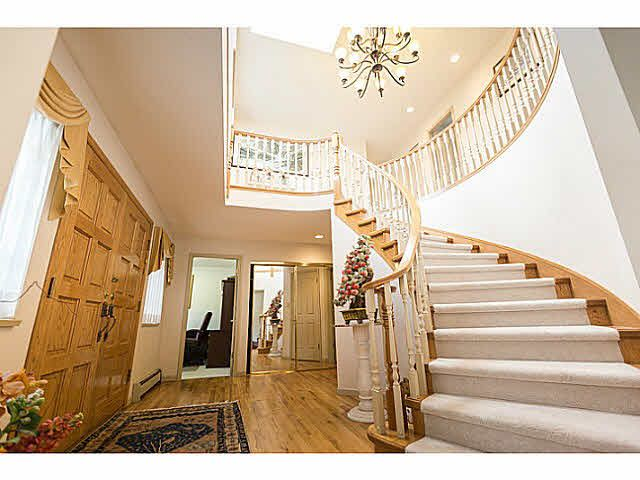 """Photo 4: Photos: 5825 MAPLE Street in Vancouver: Kerrisdale House for sale in """"KERRISDALE"""" (Vancouver West)  : MLS®# V1113298"""