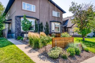 Photo 2: 202 19 Street NW in Calgary: West Hillhurst Semi Detached for sale : MLS®# A1129598