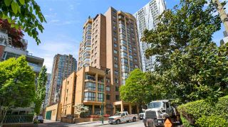 """Photo 2: 902 488 HELMCKEN Street in Vancouver: Yaletown Condo for sale in """"Robison Tower"""" (Vancouver West)  : MLS®# R2580048"""