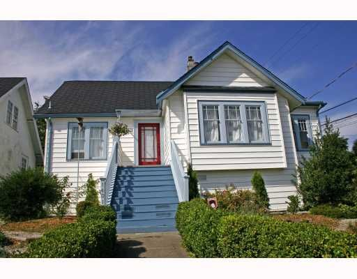 Main Photo: 1401 6TH Avenue in New_Westminster: West End NW House for sale (New Westminster)  : MLS®# V731858