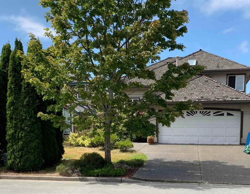FEATURED LISTING: 4471 CAMERON Court Richmond