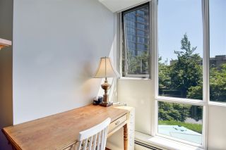 """Photo 15: 105 1383 MARINASIDE Crescent in Vancouver: Yaletown Townhouse for sale in """"COLUMBUS"""" (Vancouver West)  : MLS®# R2478306"""