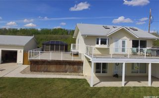 Photo 2: 703 Willow Avenue in Saskatchewan Beach: Residential for sale : MLS®# SK714686