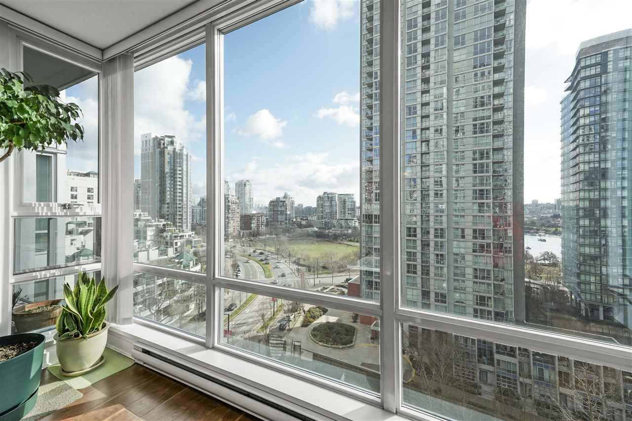 """Main Photo: 1201 1438 RICHARDS Street in Vancouver: Yaletown Condo for sale in """"AZURA 1"""" (Vancouver West)  : MLS®# R2541514"""