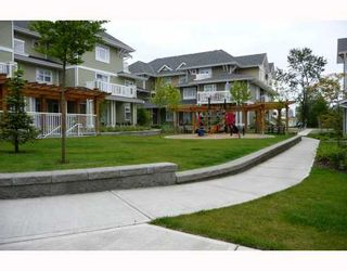 """Photo 9: 128 7388 MACPHERSON Avenue in Burnaby: Metrotown Townhouse for sale in """"ACACIA GARDENS"""" (Burnaby South)  : MLS®# V713199"""