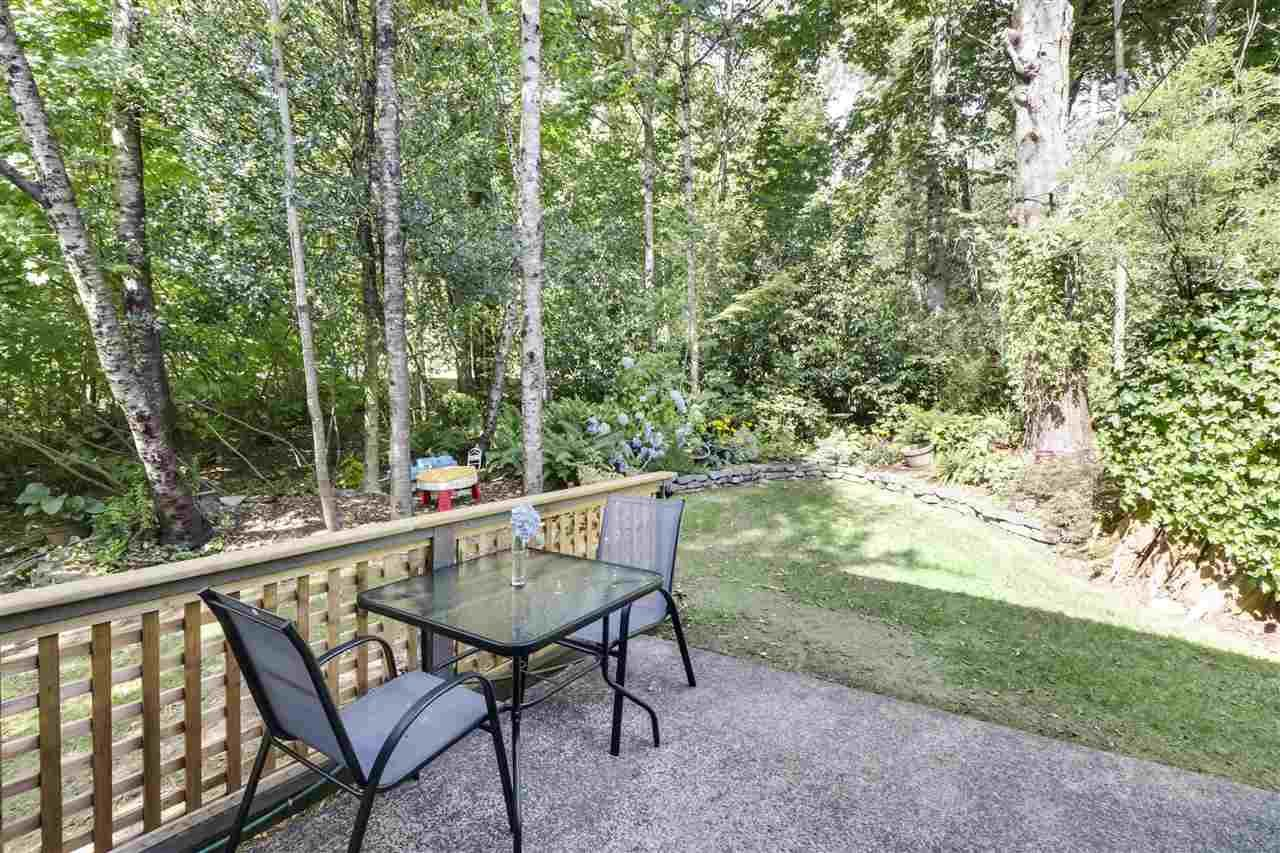 """Photo 22: Photos: 8881 LARKFIELD Drive in Burnaby: Forest Hills BN Townhouse for sale in """"PRIMROSE HILL"""" (Burnaby North)  : MLS®# R2494951"""