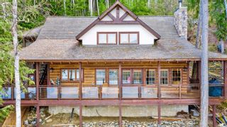 Photo 1: 7201 900 Forest Road, in Eagle Bay: House for sale : MLS®# 10229627